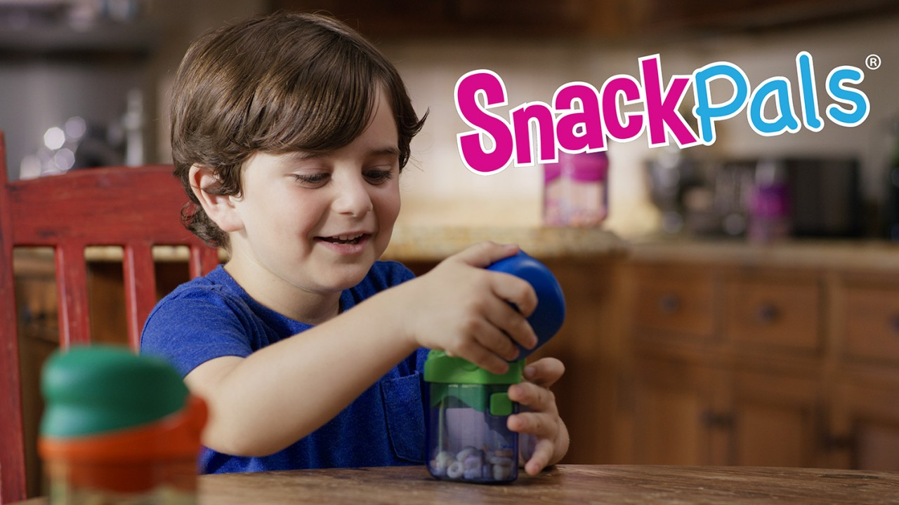 child actor in commercial for kids snack dispenser